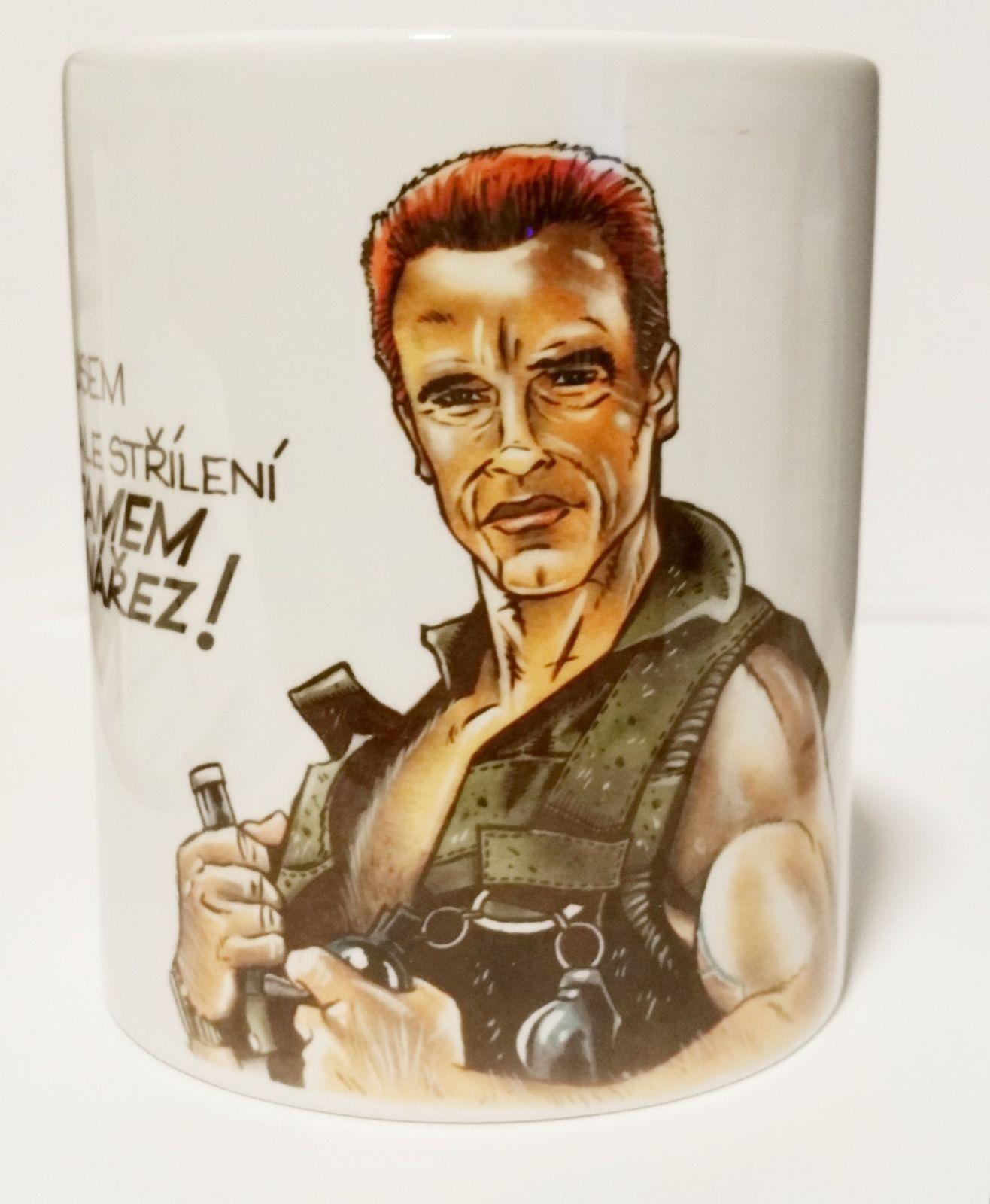 hrnek s potiskem Arnie