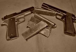 Pistole na zkoušku 5 zbraní
